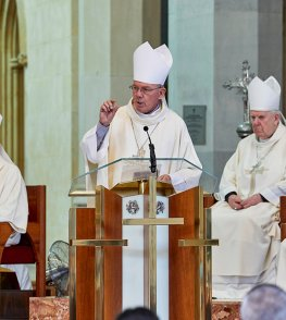 WA Bishops convene in Perth, celebrate Mass at Cathedral . . .